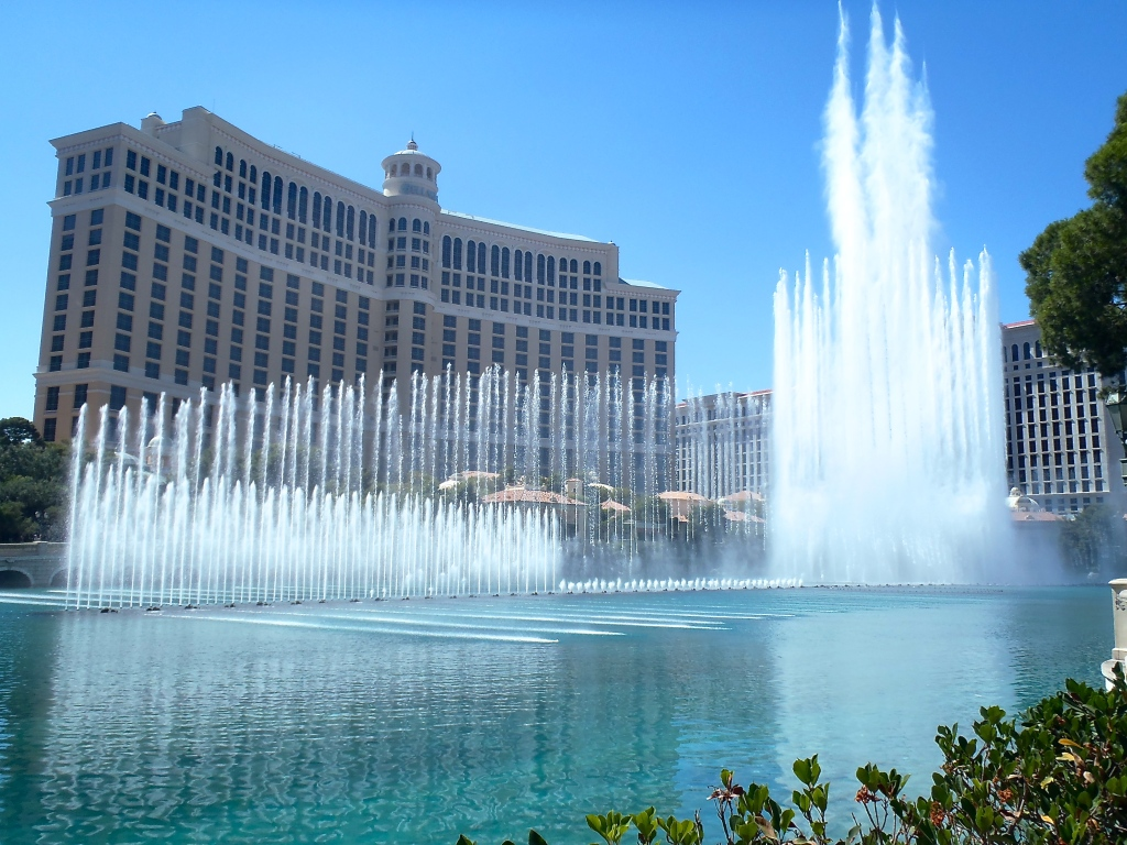 fountains of bellagio essay Wolfgang puck's legendary flagship restaurant spago, recognized for igniting las vegas's dining scene into a culinary epicenter, will open its doors at bellagio resort & casino in spring 2018 marking 25 years since the fine-dining phenomenon debuted in las vegas, puck's now revolutionary restaurant heralded the era of celebrity chefs and haute.