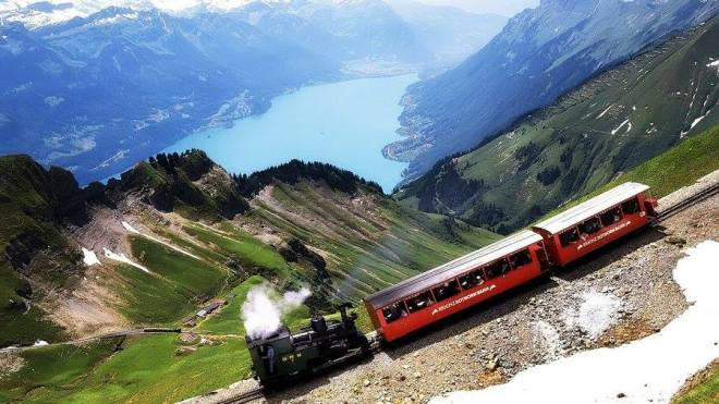 Train through the Swiss Apls